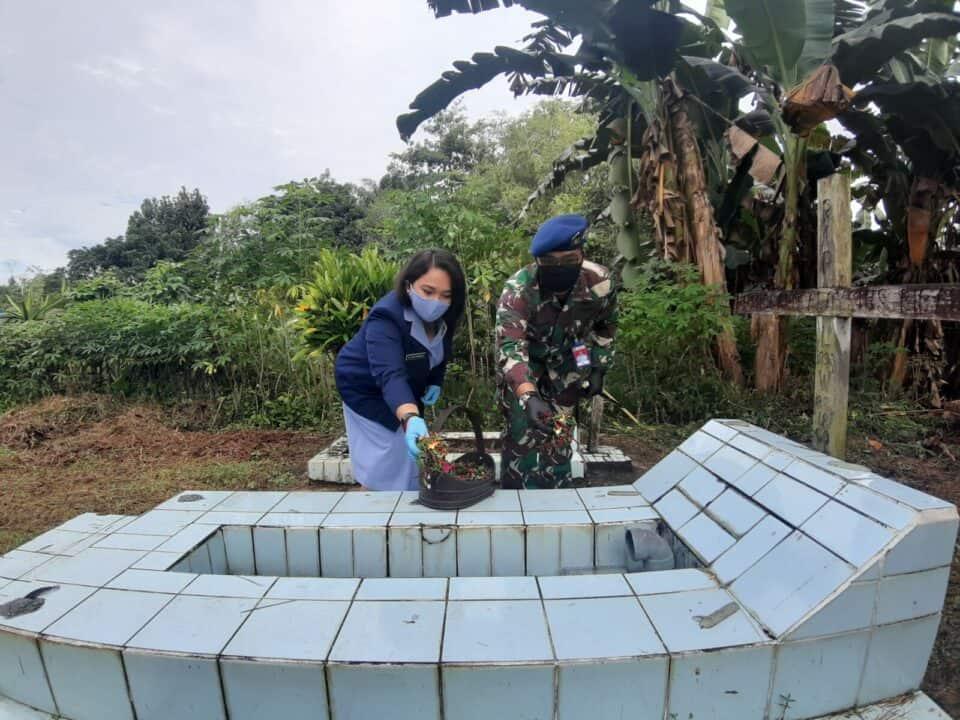 Lanud Harry Hadisoemantri Ziarah Di TMB Sanggau Ledo Dalam Rangkaian Peringatan Ke-73 Hari Bakti TNI AU Tahun 2020