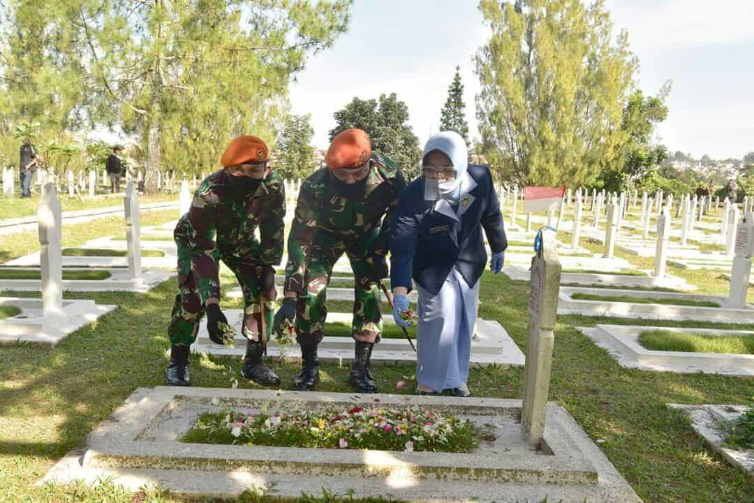 Ziarah Hari Bhakti TNI Angkatan Udara ke 73