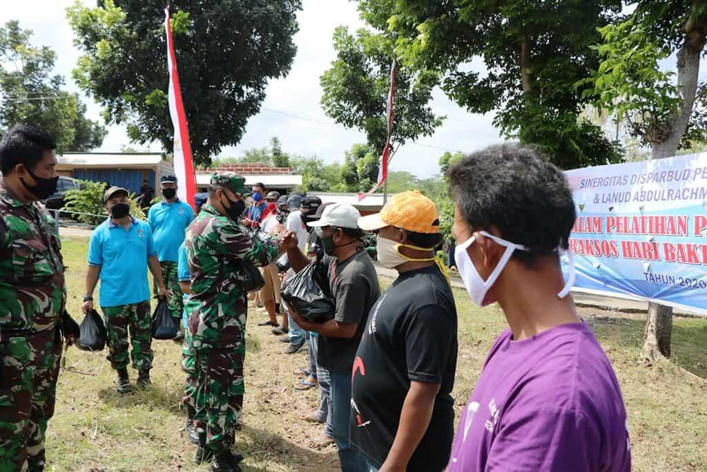 Paket Sembako untuk Warga Ngliyep dan Modangan, Awali Kegiatan Peringatan Hari Bakti TNI AU ke-73 di Lanud Abd Saleh