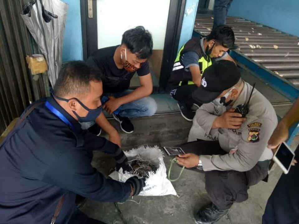 Satgas Wing II Paskhas Bantu Masyarkat yang Terdampak Banjir di Masamba