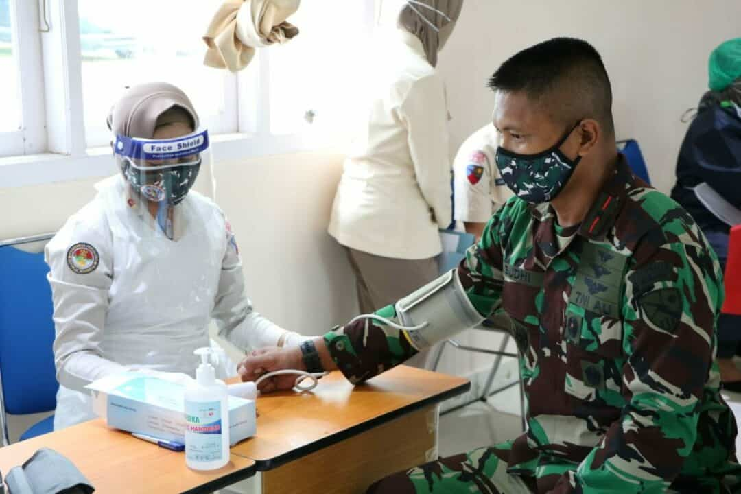 Sambut Peringatan Hari Bakti ke-73 TNI AU, Lanud Silas Papare Gelar Donor Darah