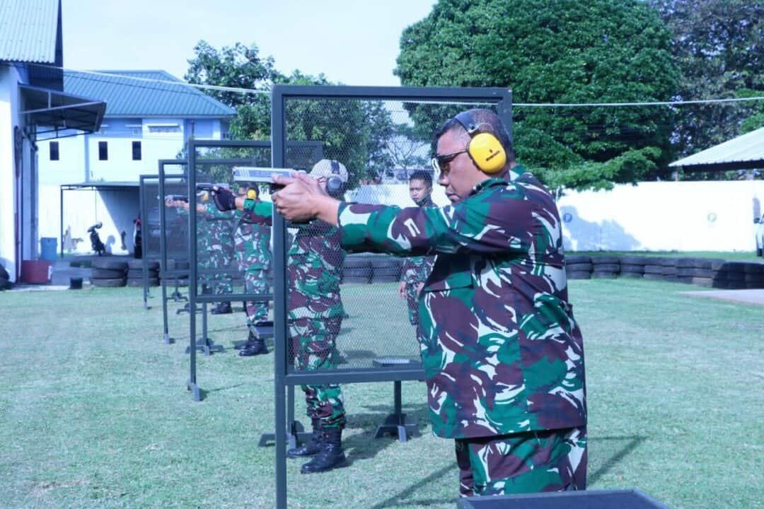 Asah Kemampuan, Personel Koharmatau Ikut Latihan Menembak