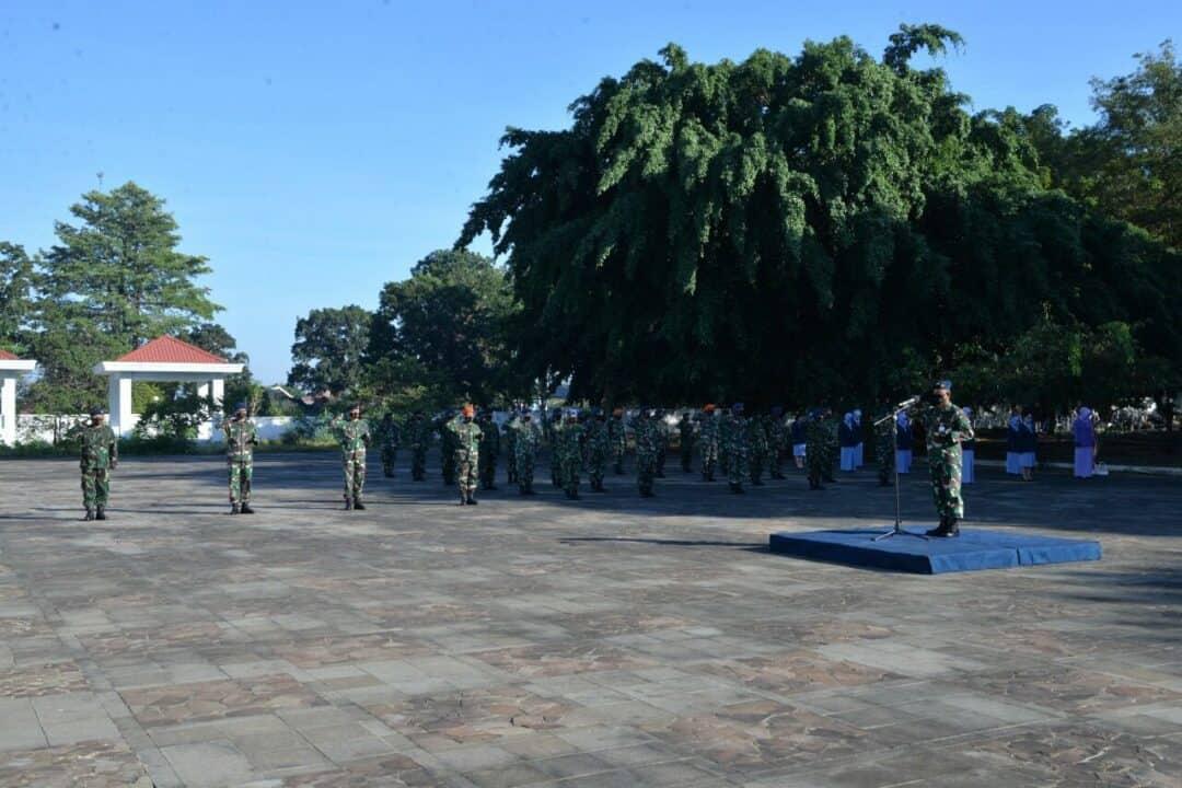 Peringati Hari Bakti ke-73, TNI-AU se-Makassar Melakukan Ziarah ke TMP Panaikang