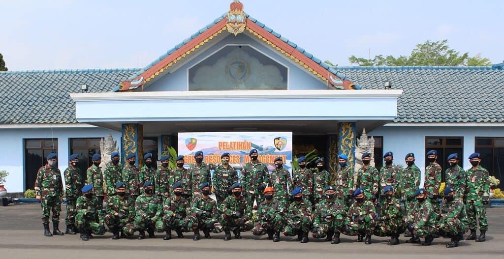 Penutupan Kursus CRM Angkatan ke-33 di Wing 2 Lanud Abd Saleh