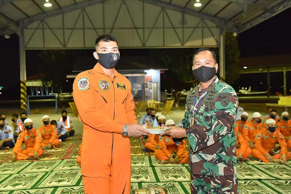 Latihan Terbang Malam Sekbang Angkatan 98 dan terbang konversi profisiensi Siswa Instruktur Penerbang resmi ditutup