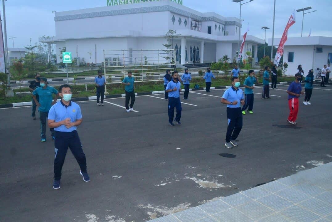 Pangkalan TNI AU Sjamsudin Noor dan Bandara Internasional Syamsudin Noor Menjalin Silaturahmi Dengan Melaksanakan Olahraga Bersama