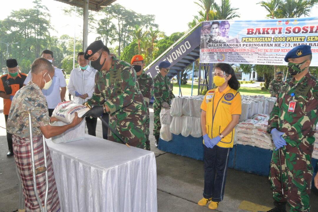 Bakti Sosial Pembagian Sembako dan Pemeriksaan Kesehatan Dalam Rangka Peringatan Ke-73 Hari Bhakti TNI AU