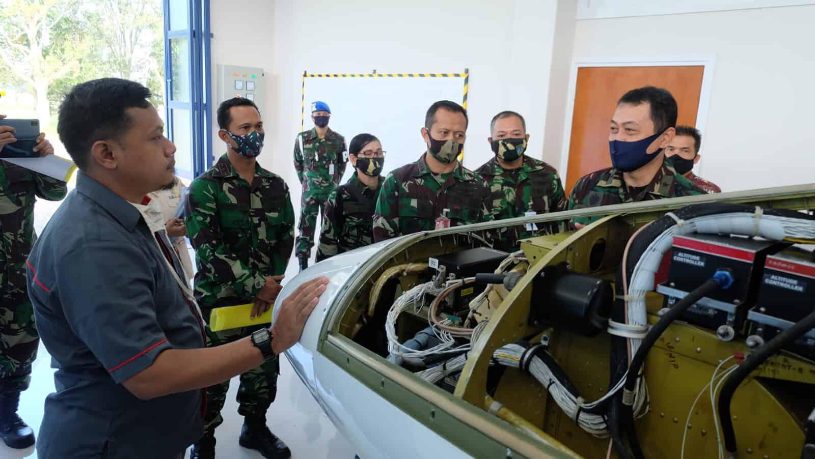 Pengecekan Alin Alongins Avionic Trainer System Skadik 203 Lanud Sulaiman