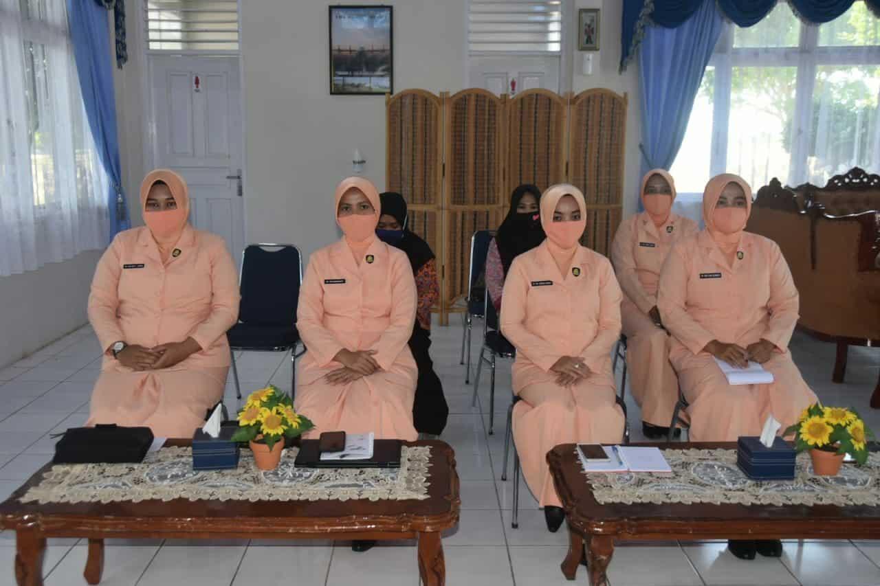 Ketua Yasarini Cabang Lanud Maimun Saleh Mengikuti Vicon Ke-II Untuk Peran Orang Tua Dalam Pendampingan Anak Di Masa Pandemi Covid-19.