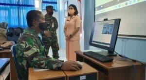 Danlanud Adisutjipto dan Ketua Yasarini Cabang Lanud Adisutjipto meninjau Pelatihan Pengembangan Pembelajaran Jarak Jauh Sekolah Angkasa