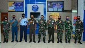 Kadispenau Marsma TNI Fajar Adriyanto M Si (Han) menerima kunjungan Karohumas Sekjen Kemhan RI