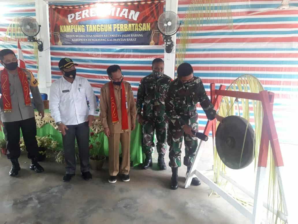 Komandan Lanud Harry Hadisoemantri Hadiri Launching Kampung Tangguh Perbatasan Dalam Rangka Pencegahan Penyebaran Covid-19