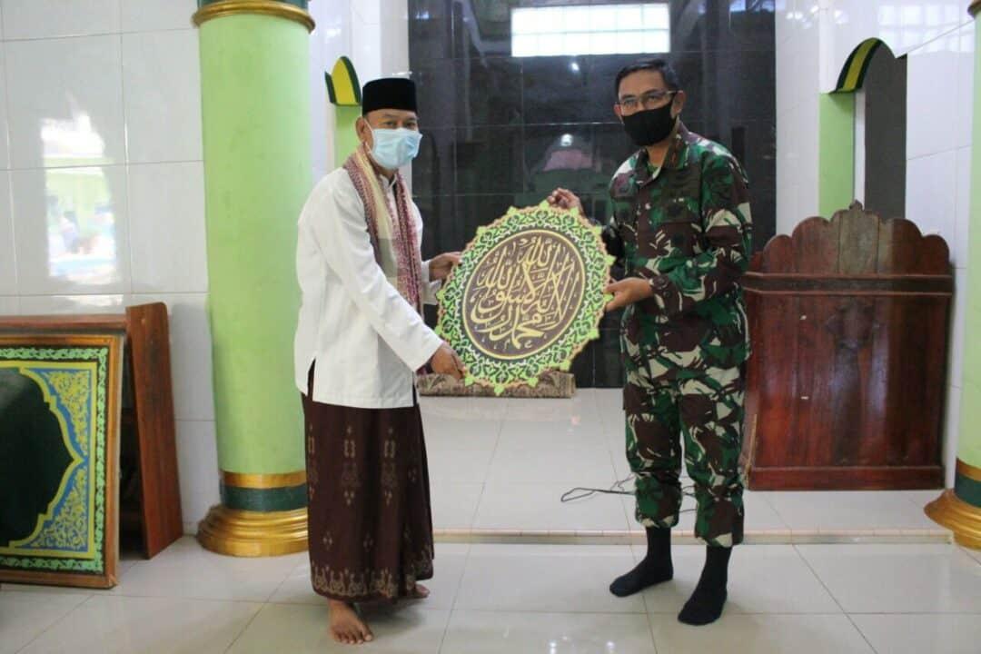 Lanud Suryadarma Melaksanakan Bakti Sosial di Ponpes Yafata dalam Menyambut Hari Bakti TNI AU