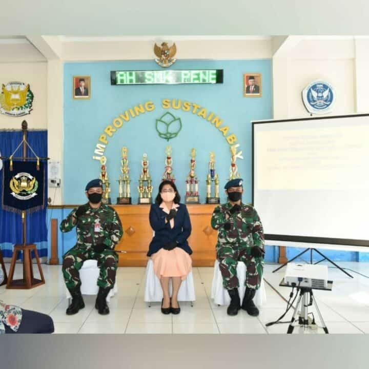 Ketua Yasarini Cabang Lanud Adisutjipto pimpin sertijab Kepala SMK Penerbangan AAG