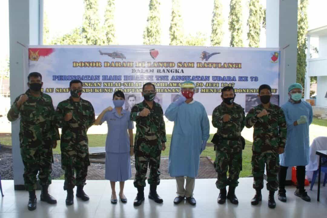 Donor Darah dalam Hari Bakti TNI AU ke-73 di Lanud Sam Ratulangi