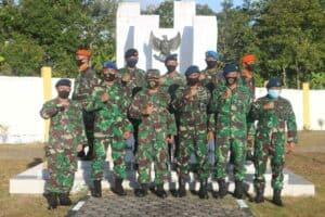 Peringati Hari Bakti TNI AU, Danlanud Rsa Ziarah di TMP Ranai