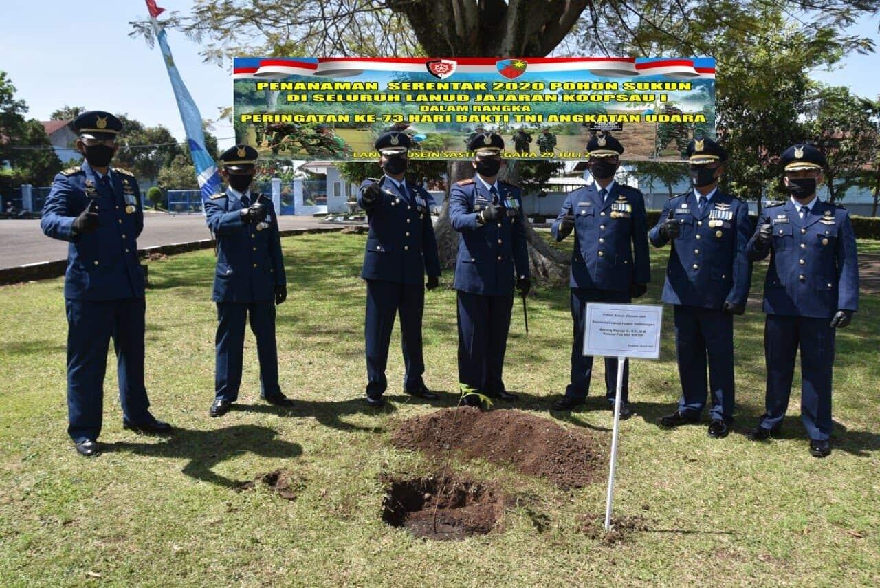 Penanaman Pohon alam rangka peringatan ke-73 Hari Bakti TNI AU