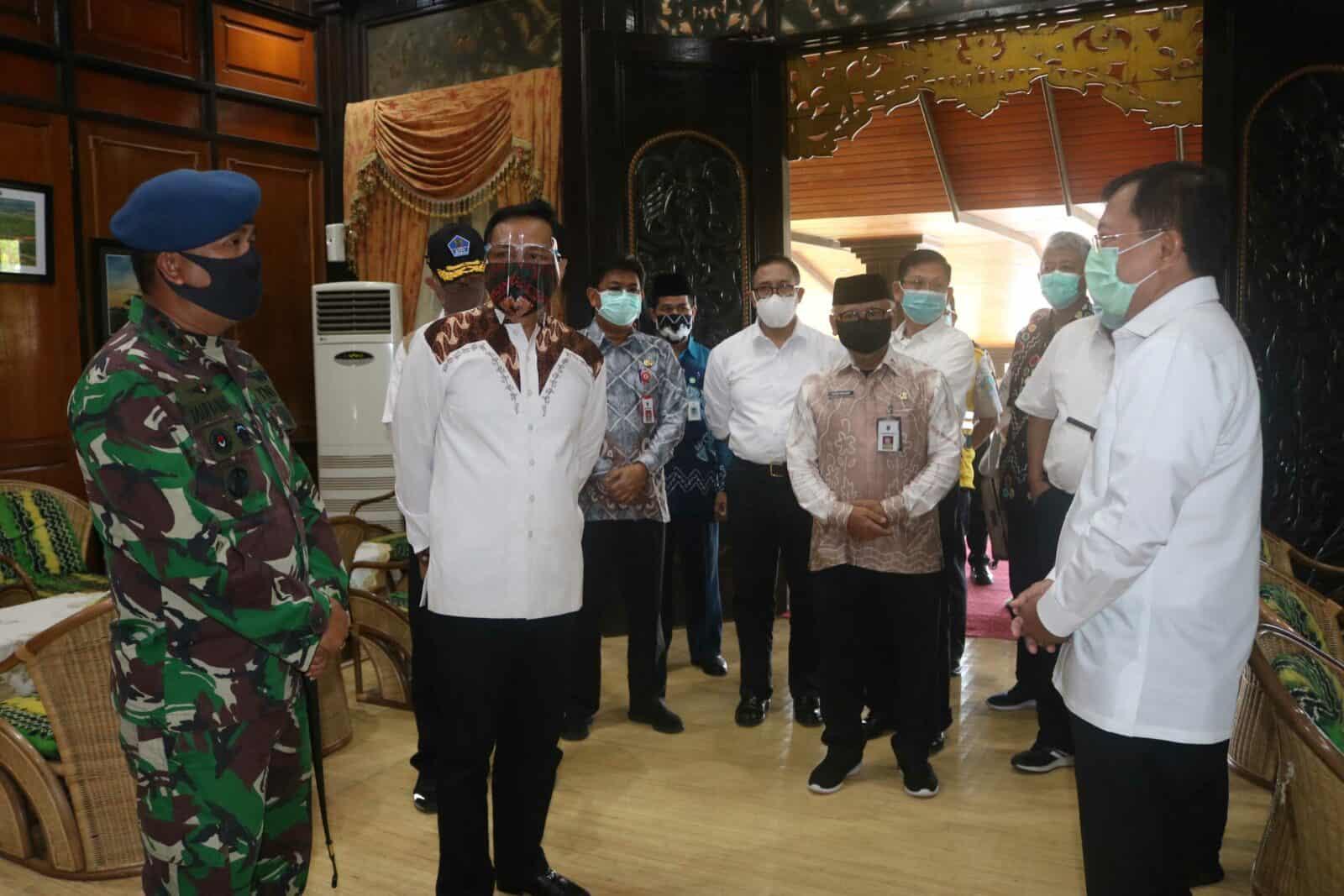 Kedatangan Menteri Kesehatan Republik Indonesia Disambut Jajaran Forkompimda di Kalimantan Selatan