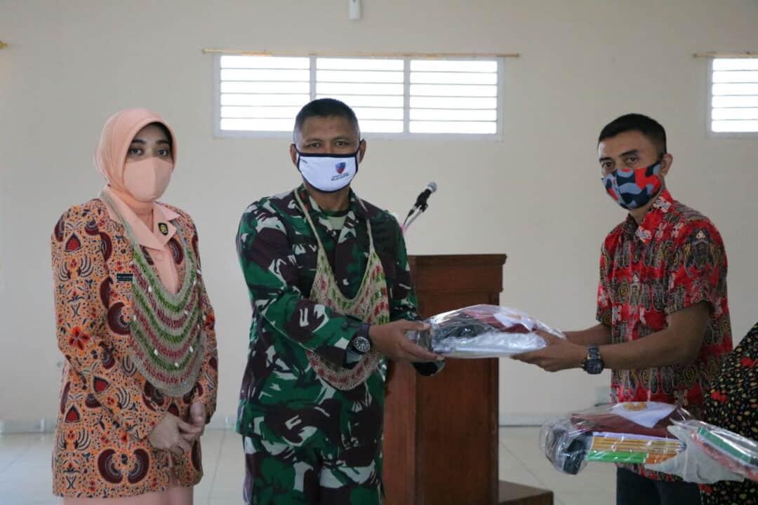 Komandan membuka MPLS TK dan SD Angkasa Lanud Silas Papare