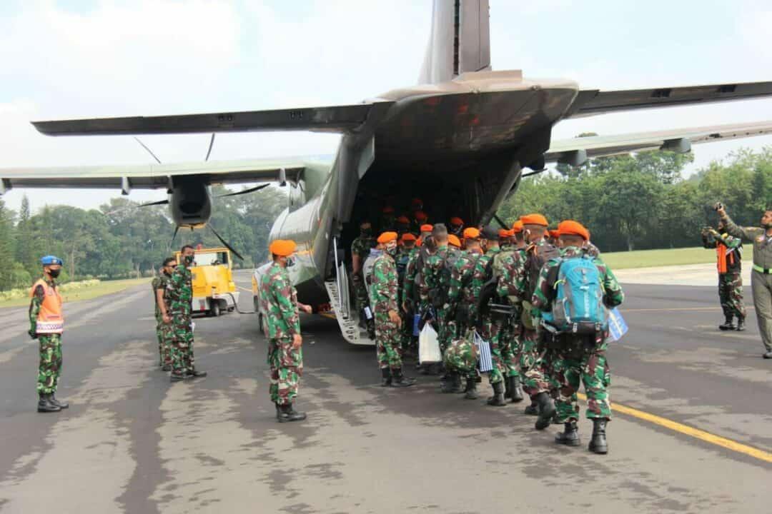 Dua SSK Prajurit Paskhas Yonko 464 Nanggala Lanud Abdulrachman Saleh ke Papua Aplos Satgas Pamrahwan
