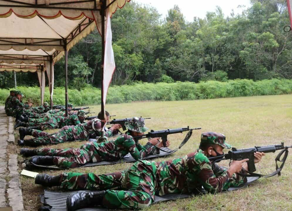 Meningkatkan Kemampuan Prajurit, Pangkalan TNI AU Melaksanakan Latihan Menembak