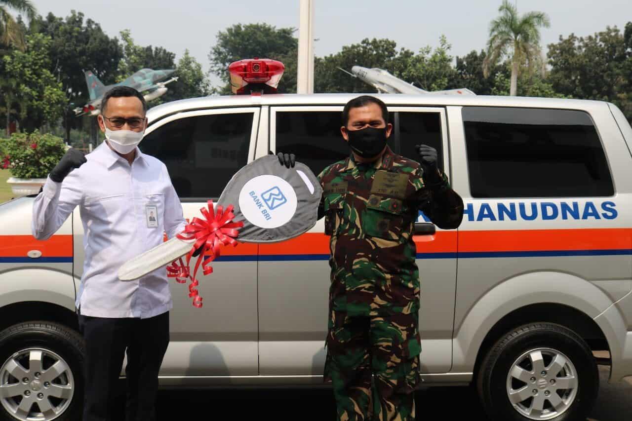 Kohanudnas Terima Bantuan Mobil Ambulance Dari BRI