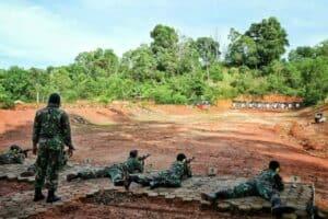 Latihan Menembak Triwulan ke II, Danlanud RHF Siapkan Hadiah Khusus bagi Prajurit Penembak Terbaik