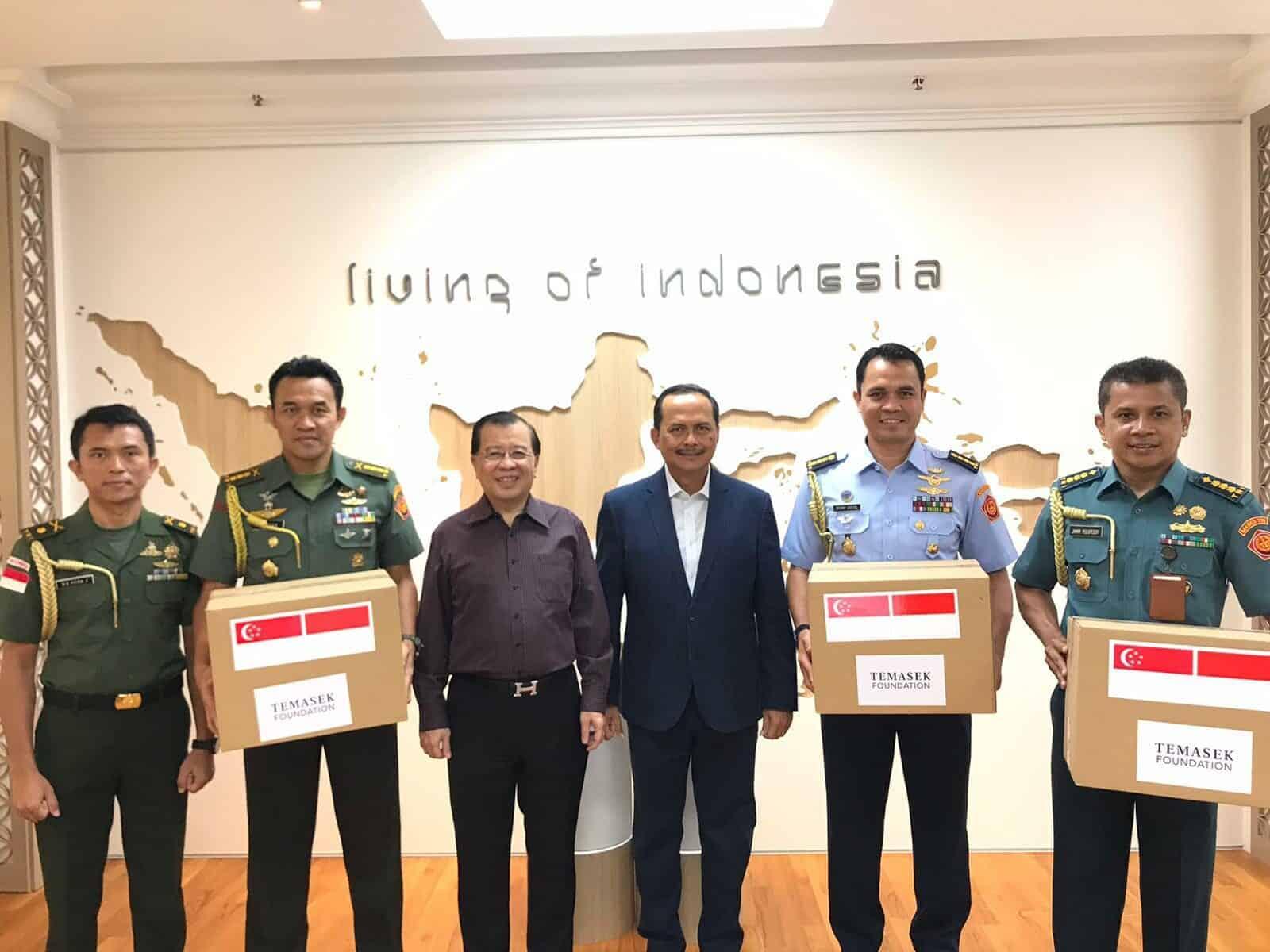 Penyerahan Bantuan dari Singapura kepada TNI/Polri untuk Penanggulangan Covid19