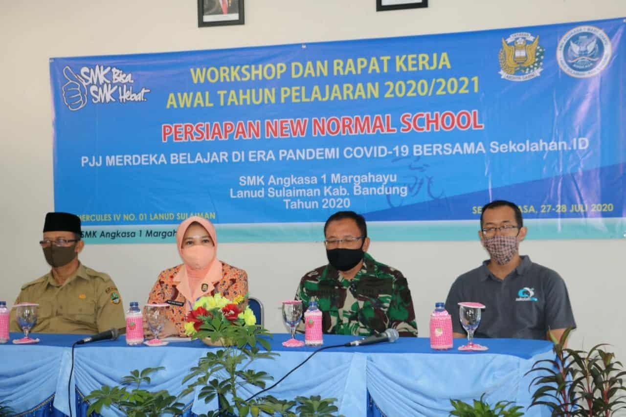 """Workshop dan Rapat Kerja """"Persiapan New Normal School"""" Awal Tahun Pelajaran 2020/2021"""