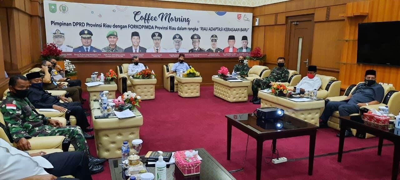 Danlanud Rsn Hadiri Cofe Morning DPRD Provinsi Riau dengan Forkopimda Riau