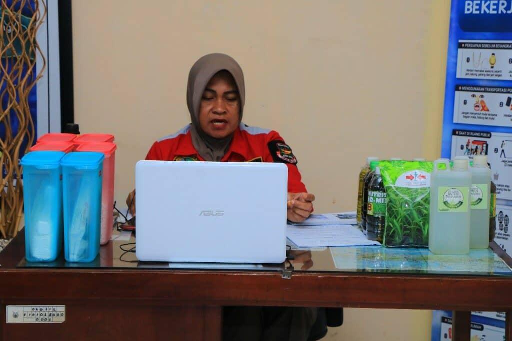 Penanggungjawab Greenhouse Angkasa Lanud Abd Saleh pada Webinar Nasional Pertanian UB