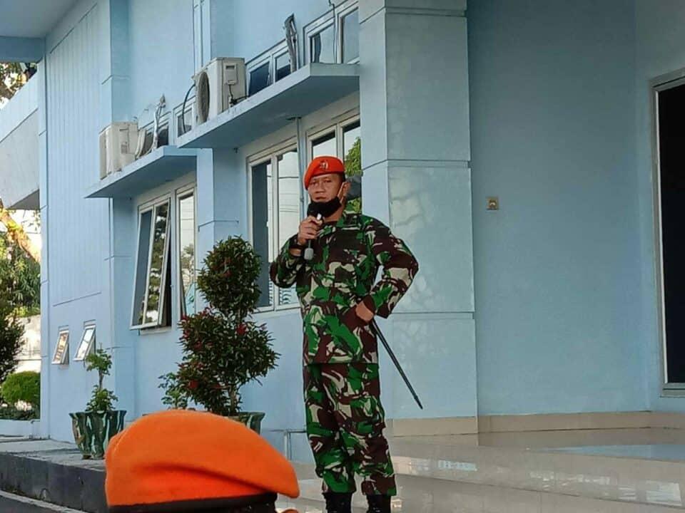 Danwing III Paskhas Pimpin Jam Komandan