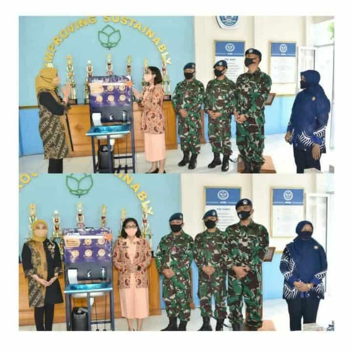 Ketua Yasarini Cabang Lanud Adisutjipto terima bantuan Portable Wastafel CSR Bank Mandiri