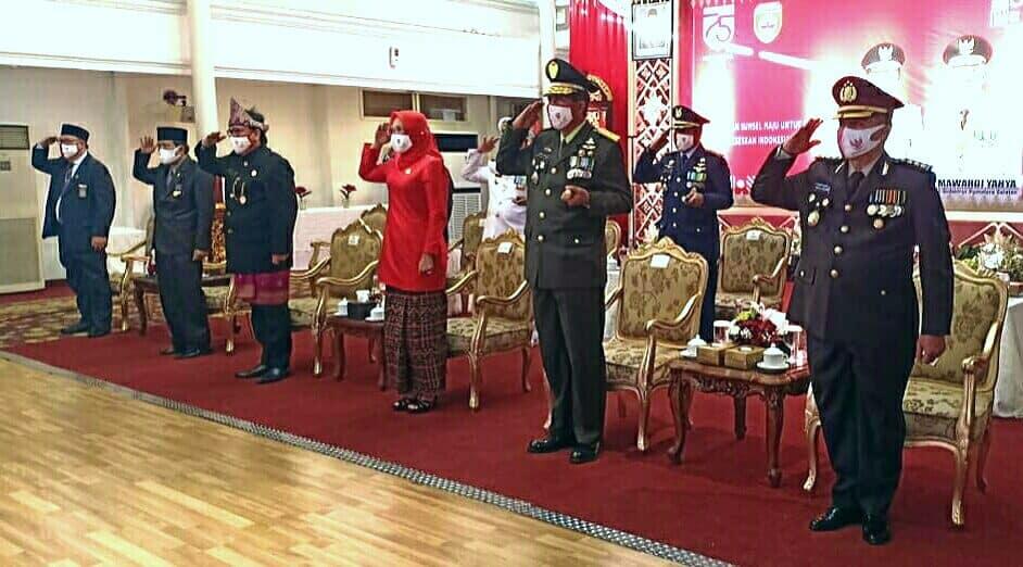Danlanud SMH Hadir Kegiatan HUT ke-75 RI Secara Langsung Vicon dari Istana Negara di Pemprov Sumsel