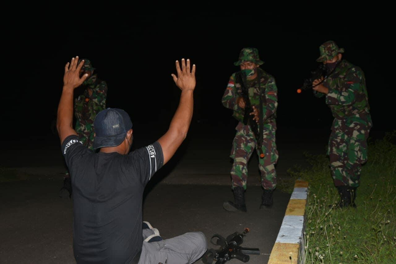 Pengejaran Dan Penindasan Terhadap Gerombolan Separatis Melalui Gerakan Malam Berhasil Di Lumpuhkan Dan Diamankan.