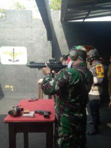 Komandan Lanud Sugiri Sukani Hadiri Latihan Menembak Bersama Forkopimda Kabupaten Cirebon