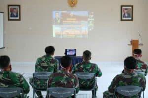 Komandan Lanud Sugiri Sukani Bersama Anggota Lanud Sugiri Sukani Mengikuti Kegiatan Vicon Dengan Pangkoopsau I