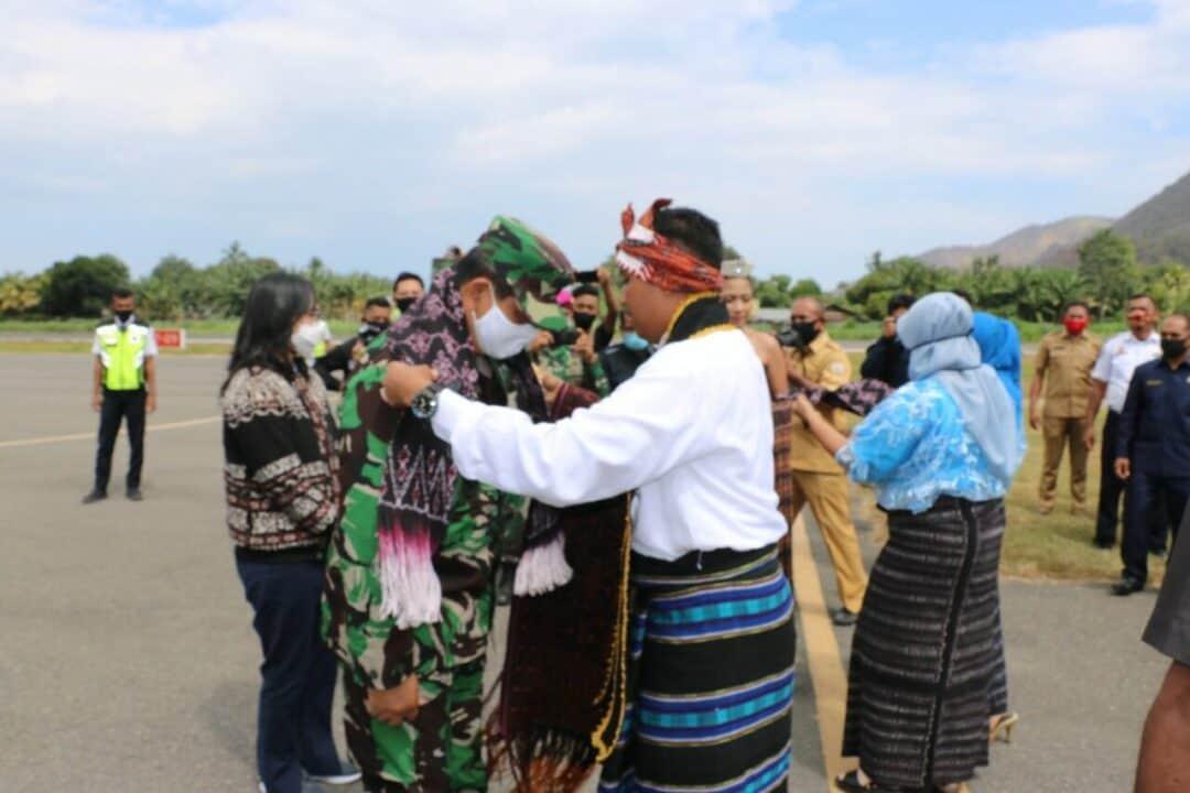 Disambuat tarian Geru Giwa, Tim Pelangi Nusantara TNI AU Tuba di Endi