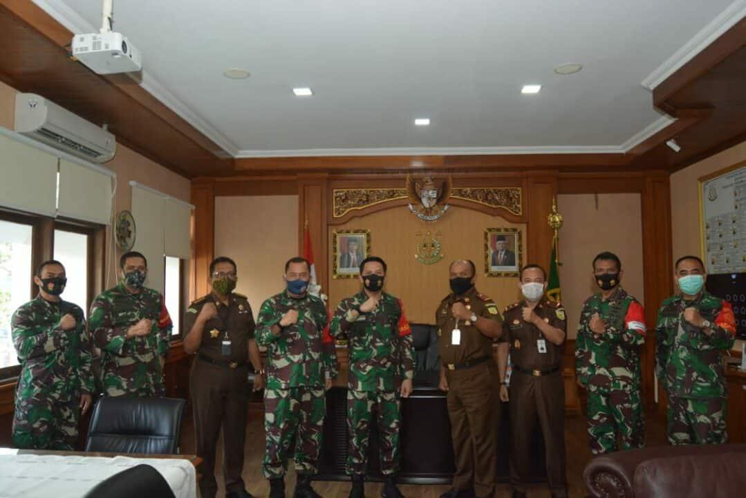 Tim Wasdal Protokol Kesehatan Covid-19 Mabes TNI Kunjungi Kejaksaan Tinggi Bali