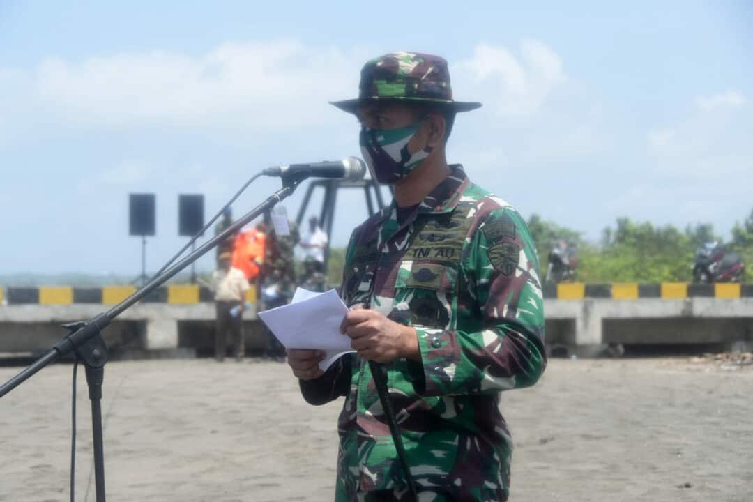 Danlanud Wiriadinata Tutup Latihan Hanlan Dan SAR Di Pantai Bojong Salawe