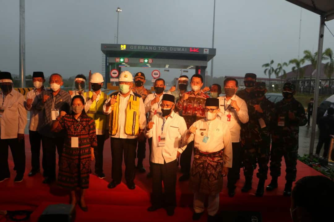 Danlanud Rsn Dampingi Menteri PURR Hadiri Peresmian Jalan Tol Pekanbaru-Dumai