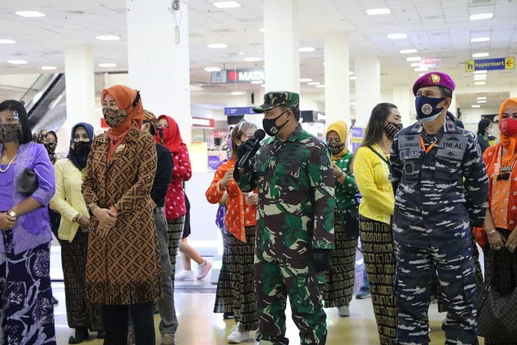 Personel Lanud Abd Saleh Hadiri Flashmob Pentingnya Pakai Masker di Matos