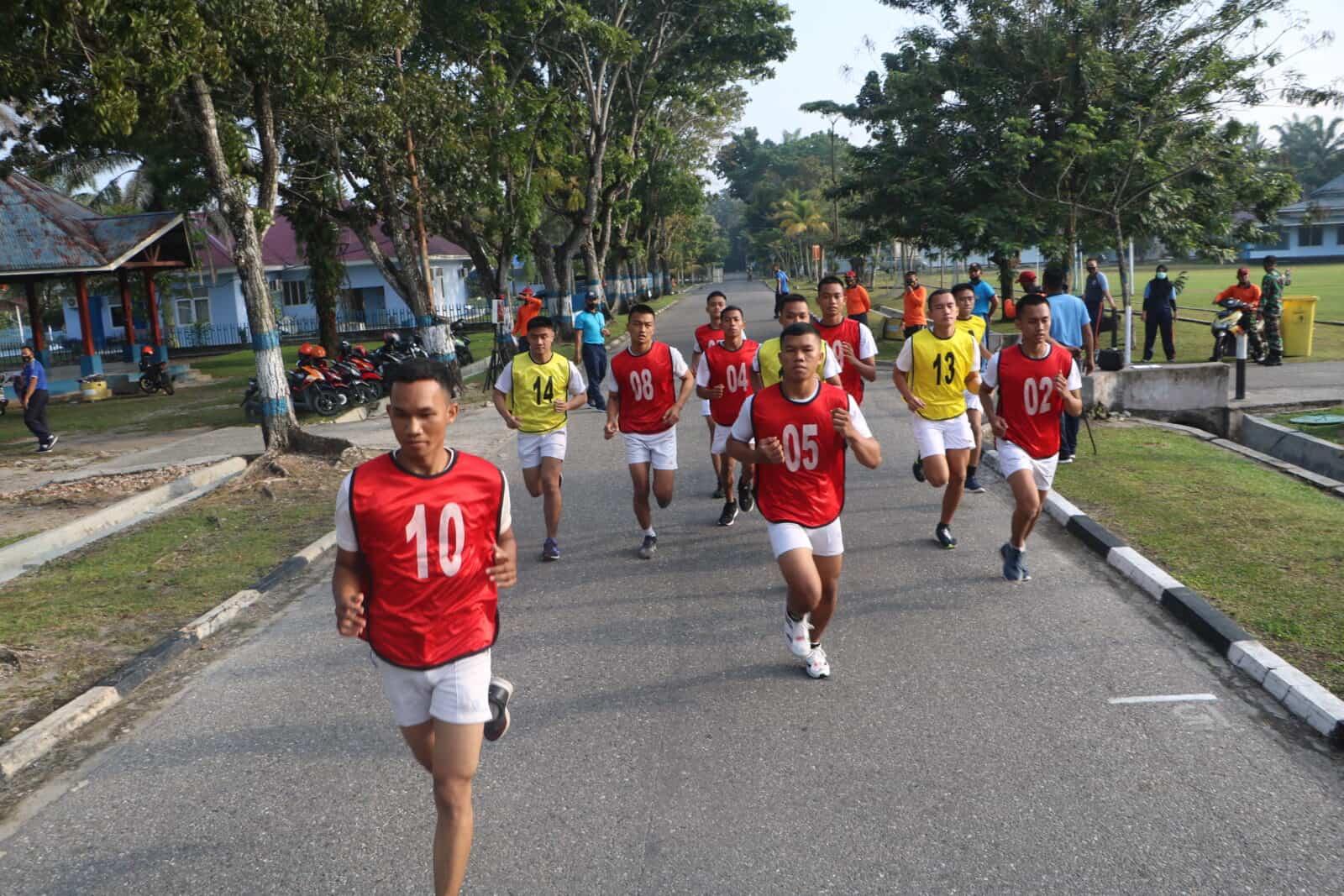 Calon Perwira PSDP Penerbang TNI Ikuti Tes Samapta