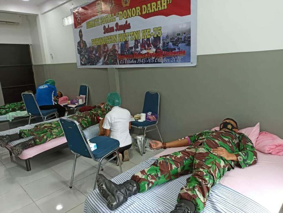 RANGKAIAN KEGIATAN DONOR DARAH MEMPERINGATI HUT TNI KE-75 DI LANUD YOHANIS KAPIYAU