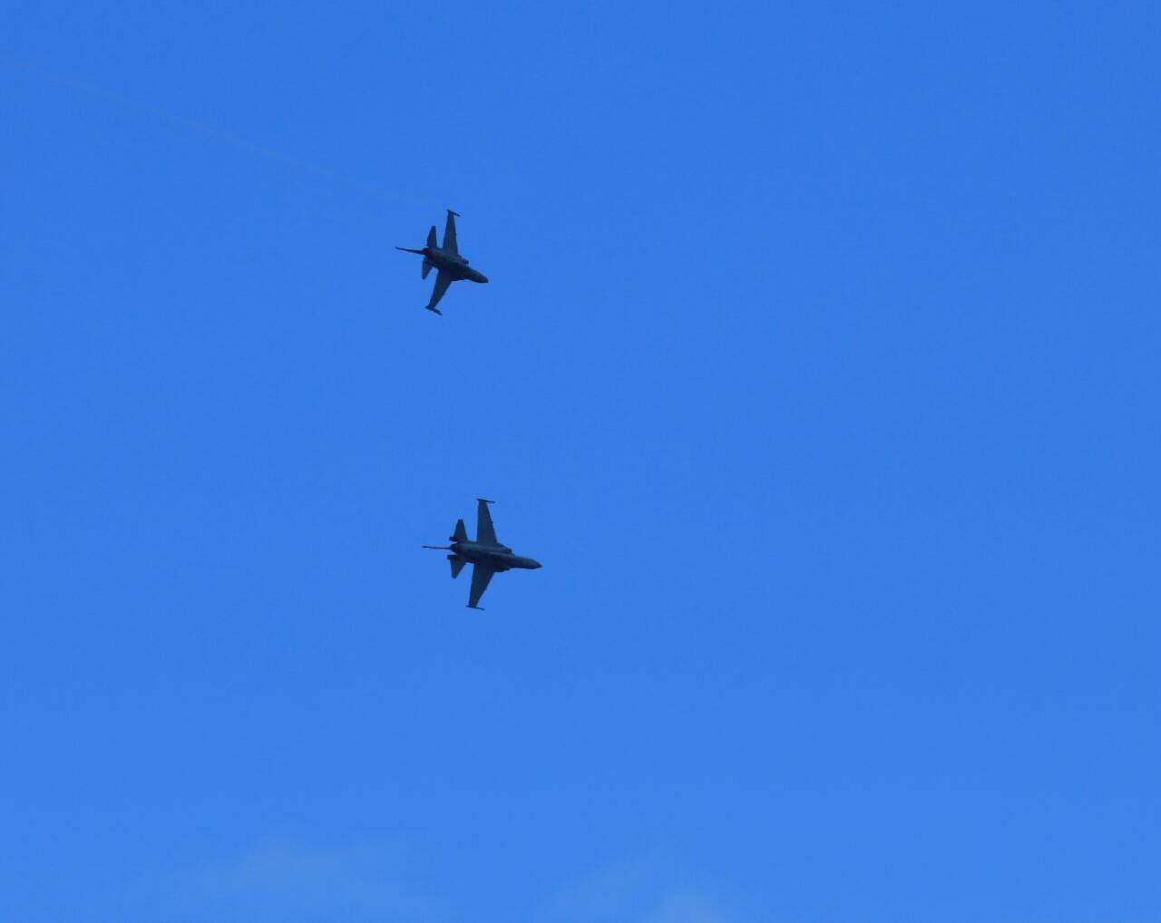 Dog Fight F-16 Dengan T-50i Awali Pelaksanaan Manuver Lapangan Latihan Sikatan Daya 2020.