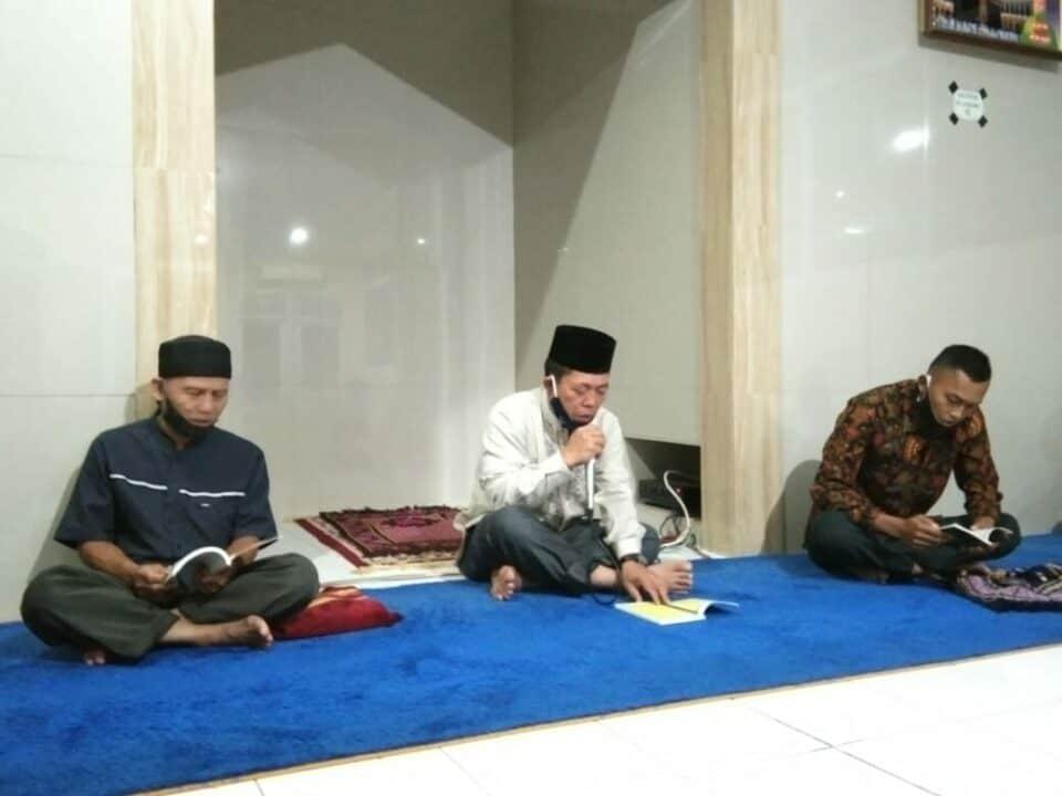 Yasinan dan doa bersama di Wingdikum