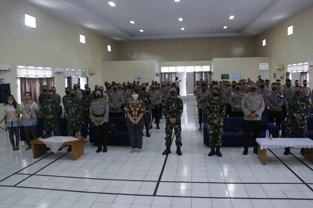 Pangkalan TNI AU Sam Ratulangi dan Brimob Polda Sulut Ibadah Bersama
