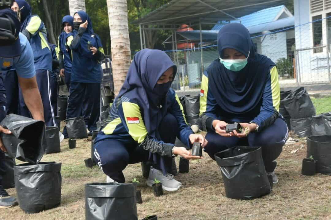 Ketua Pia AG Cabang 16/Daerah I Lanud MUS, Tuntut Pengurus Lebih Kreatif Dalam Ketahanan Pangan Dampak Covid-19.