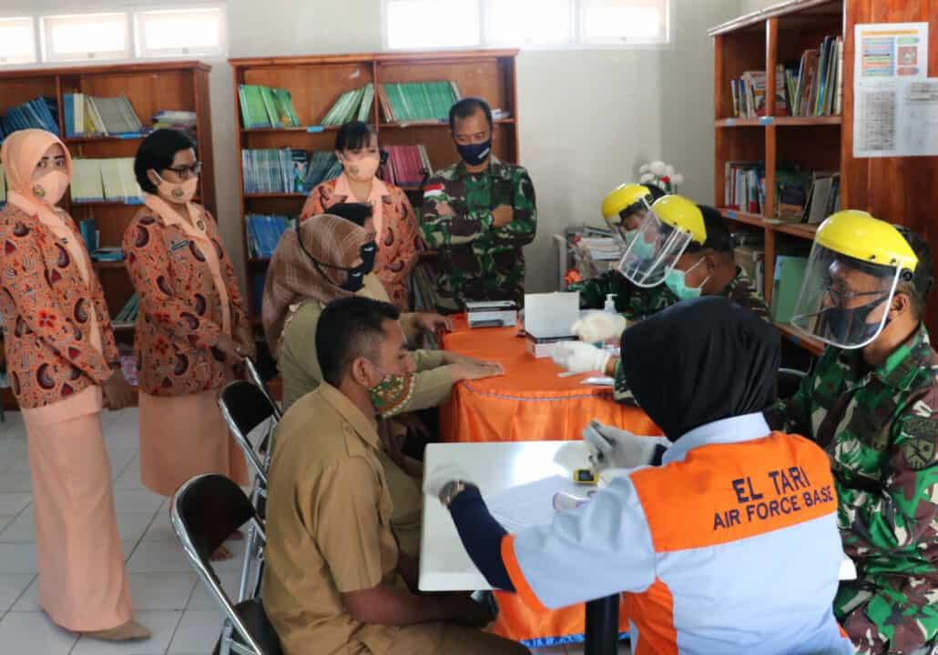 Rapid Test Seluruh Guru Tenaga Pendidik Paud, TK, SD, SMP Angkasa Lanud El Tari Kupang.