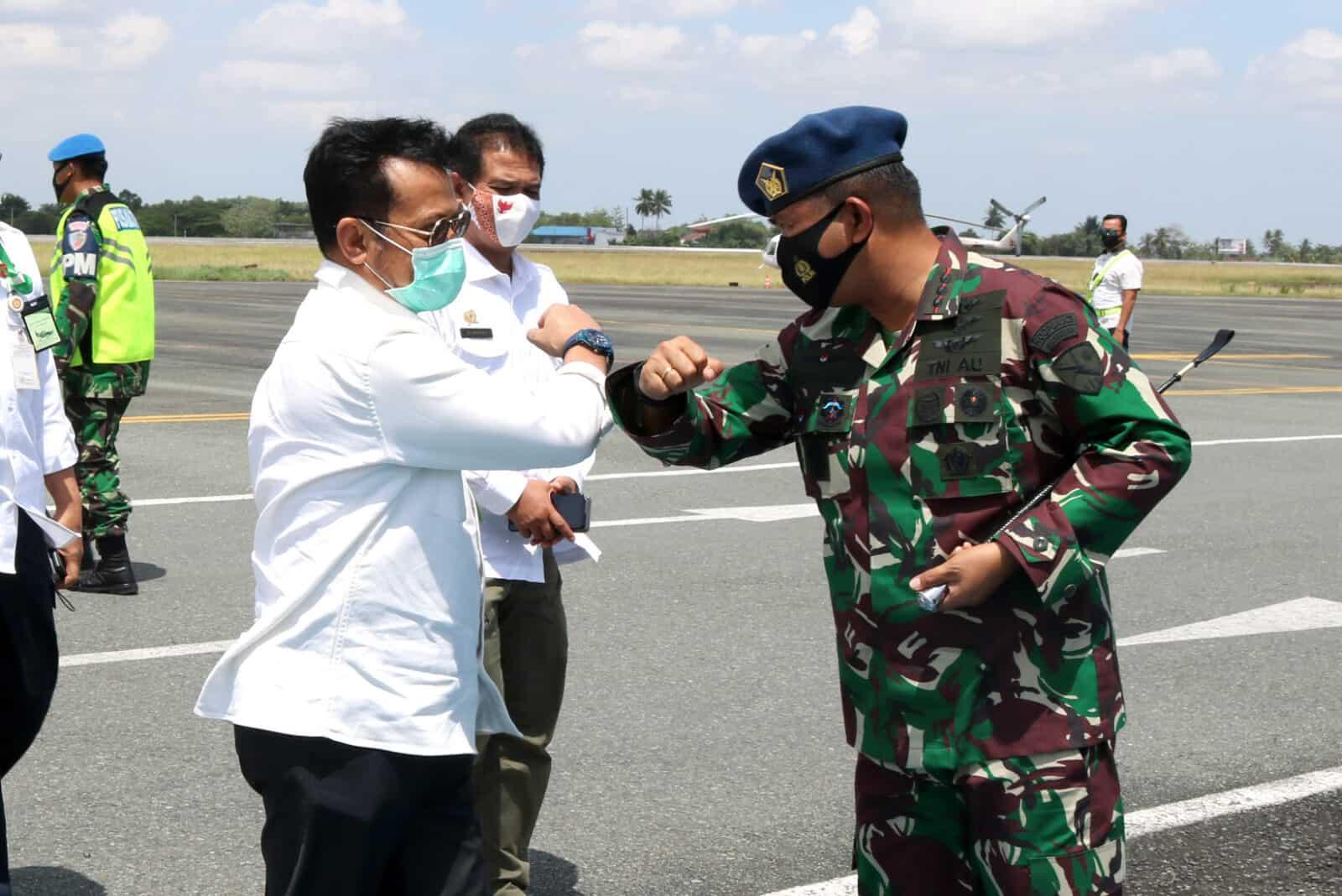 Menteri Pertanian Republik Indonesia Disambut Komandan Lanud Sjamsudin Noor Bersama Forkopimda Kalsel Saat Kunjungannya ke Kalsel Dalam Rangka Panen Padi dan Optimasi Lahan Bersama